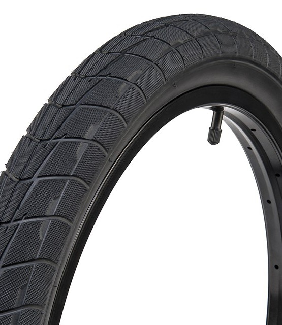 Eclat_Predator_tire_01-960x640